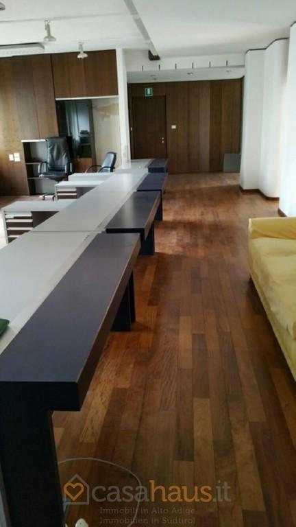 Ufficio in vendita a bolzano centro rif c 91 for Centro ufficio