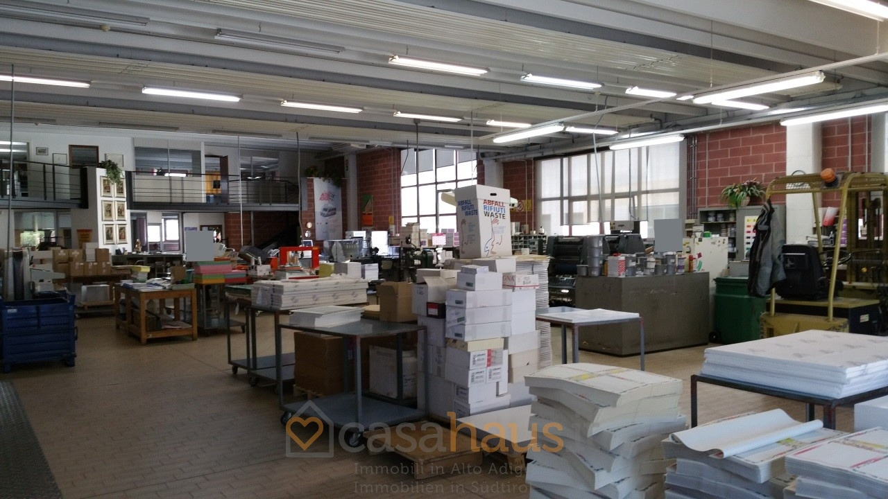 Magazzino in vendita a bolzano piani rif c 217 for Piani di stoccaggio capannone